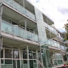 Aanzicht na de renovatie van de balkons aan de Beethovensingel.