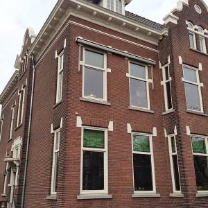Aanzicht gevel na gevelrenovatie Rozenburglaan 37 in Rotterdam Kralingen.