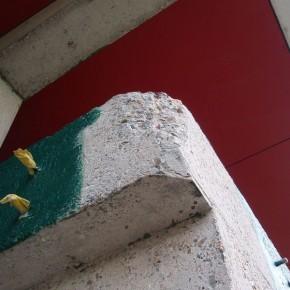 Betonreparatie na betonrot door roest van het betonstaal