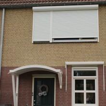 De gerenoveerder buitenmuren van de woning in Rhoon.