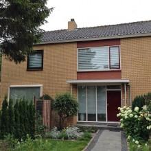 De woning in Berkel en Rodenrijs met gerenoveerde gevels.