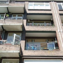 Gevel aanzicht voor aanvang van de gevelrenovatie van de woningen aan de Schepenstraat 46 te Rotterdam