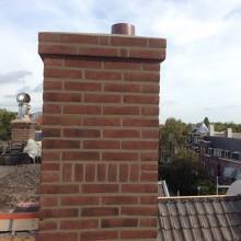 Nieuwe schoorsteen na het voegen.