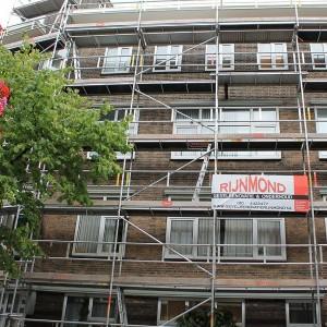 Vaste gevel steiger gevelrenovatie Harddraverstraat 49 in de rotterdamse Provenierswijk